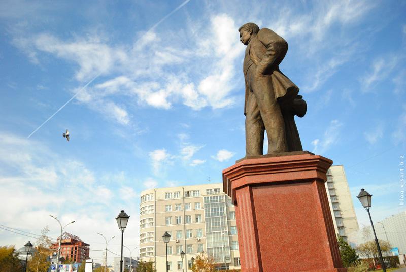 Памятник Крячкову